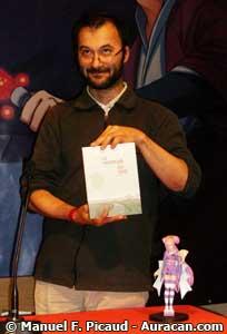 Thomas Dupuis des éditions Flblbl recevant le Prix Asie-ACBD 2008