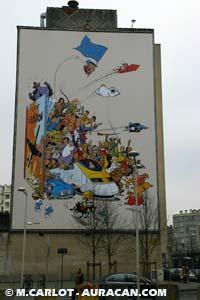 La fresque imaginée par Johan De Moor déployée sur la Place Horta © Marc Carlot / Auracan.com