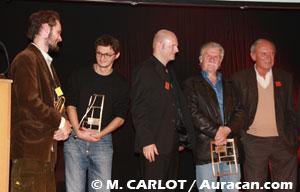 Les lauréats des Prix : Paolo Cossi, Sébastien Cosset (un des 2 Kerascoët) et Hermann entre Midam et Jean Van Hamme