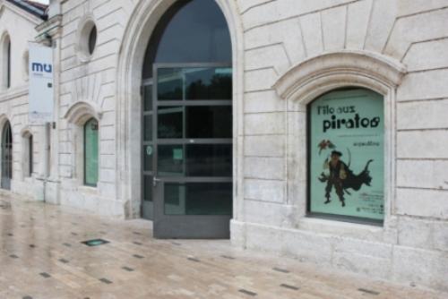 Vue de l'exposition Iles aux Pirates à la Cité © Manuel F. Picaud / auracan.com