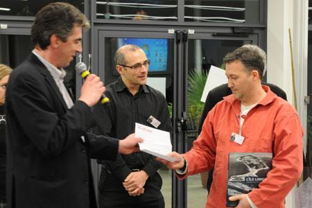Remise du Prix BD Écono&rsquo;Mer au dessinateur Sandro. <br />             © Jean-Michel Bergougniou / Écono&rsquo;Mer
