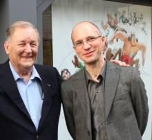 Albert Uderzo et Philippe Cauvin devant la Galerie Oblique © Manuel Picaud / 2012