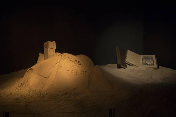 La Tour Saint-Albert sortant des sables, une sculpture réalisée par David Enguerrand © Marc Carlot