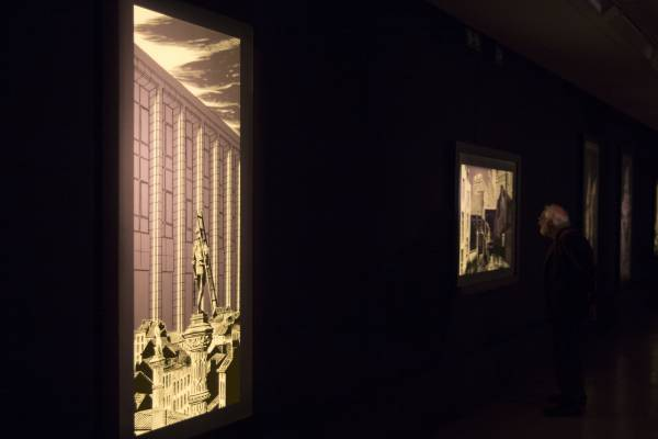 Quelques grandes illustrations de François Schuiten mises en valeur sur les panneaux rétroéclairés © Marc Carlot