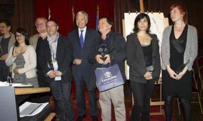 Les lauréats des Prix Saint-Michel 2015 autour du Ministre des Affaires Etrangères Didier Reynders